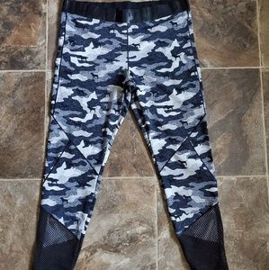 NWOT VS Pink Gray Camo Legging